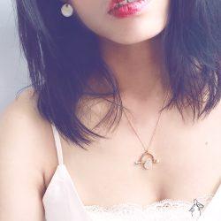 迷人的臉頰 Girl's Cheek- 天然粉晶鞦韆造型 925純銀抗敏鍍金 短項鍊