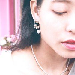 本月熱銷| 綻放的美 Beauty Blossom- 天然珍珠花圈造型 925抗敏銀針垂墜耳環 免費改夾