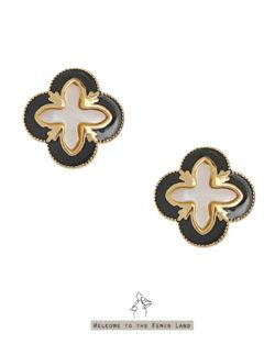 高級住宅Penthouse- 黑框天然貝片 幸運草貼耳耳環  925抗敏銀針免費改夾