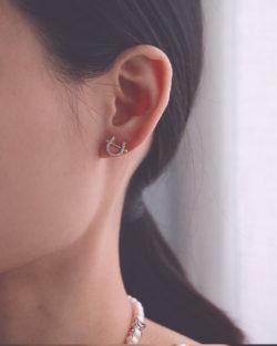 安全牌Safe- 馬蹄鑽 貼耳耳環 925抗敏銀針免費改夾